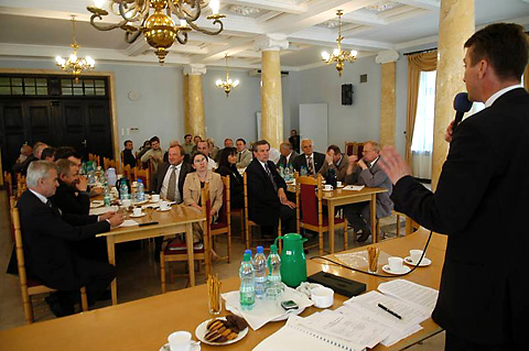 Spotkanie parlamentarzystów z wojewodą poświęcone ochronie przeciwpowodziowej