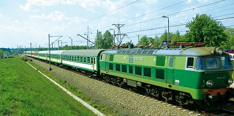 800px-Train_ET22-1117.jpg